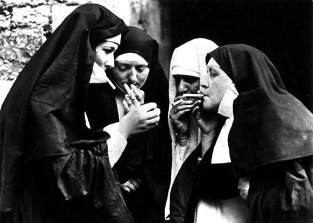 smoking-nuns11